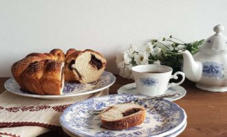 Brioche con cioccolato e pere per la merenda dolce degli studenti di Scuola Secondaria di I grado a cura di Gabriella Rizzo | Homework & Muffin