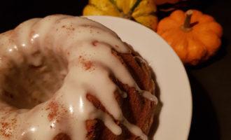Festeggiamo Halloween con la ciambella alla zucca. Ricetta per la merenda dolce per gli studenti della Scuola Secondaria di I grado | Homework & Muffin