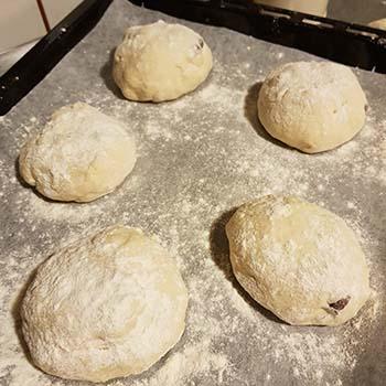 Panini con le olive per la vigilia della festa dell'Immacolata secondo la tradizione culinaria pugliese a cura di Gabriella Rizzo | Homework & Muffin