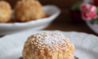 Canederli con ricotta affumicata e nocciole, merenda dolce per gli studenti della scuola secondaria di I grado | Homework & Muffin