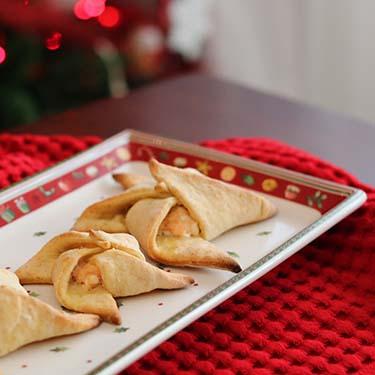 Girandole al formaggio e salmone, ricetta salata per la merenda o per un antipasto, a cura di Gabriella Rizzo | Homework & Muffin