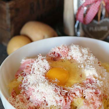 Cake salato con crema ai pinoli e bocche di leone per il Contest Buon appetito … fiorellino, promosso da AIFB, Tre civette sul comò ed Ed. ZEM   Homework & Muffin
