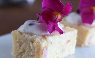 Cake salato con crema ai pinoli e bocche di leone per il Contest Buon appetito … fiorellino, promosso da AIFB, Tre civette sul comò ed Ed. ZEM | Homework & Muffin
