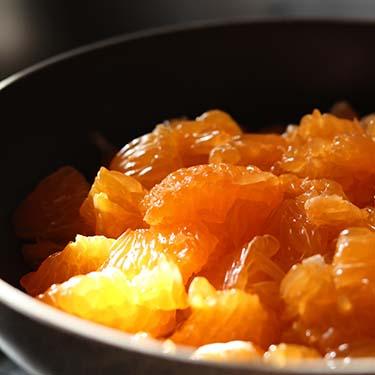 Panna cotta ai mandarini, ricetta per la merenda dolce per gli studenti della Scuola Secondaria di I grado a cura di Gabriella Rizzo | Homework & Muffin