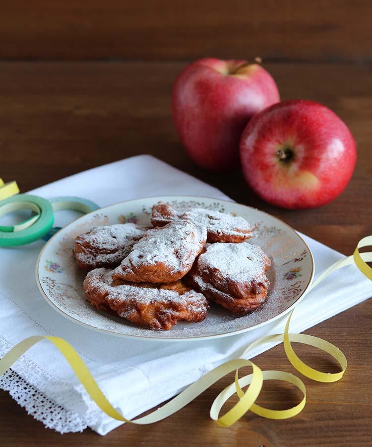 Frittelle di mele, ricetta per la merenda dolce per gli studenti della Scuola Secondaria di I grado a cura di Gabriella Rizzo | Homework & Muffin