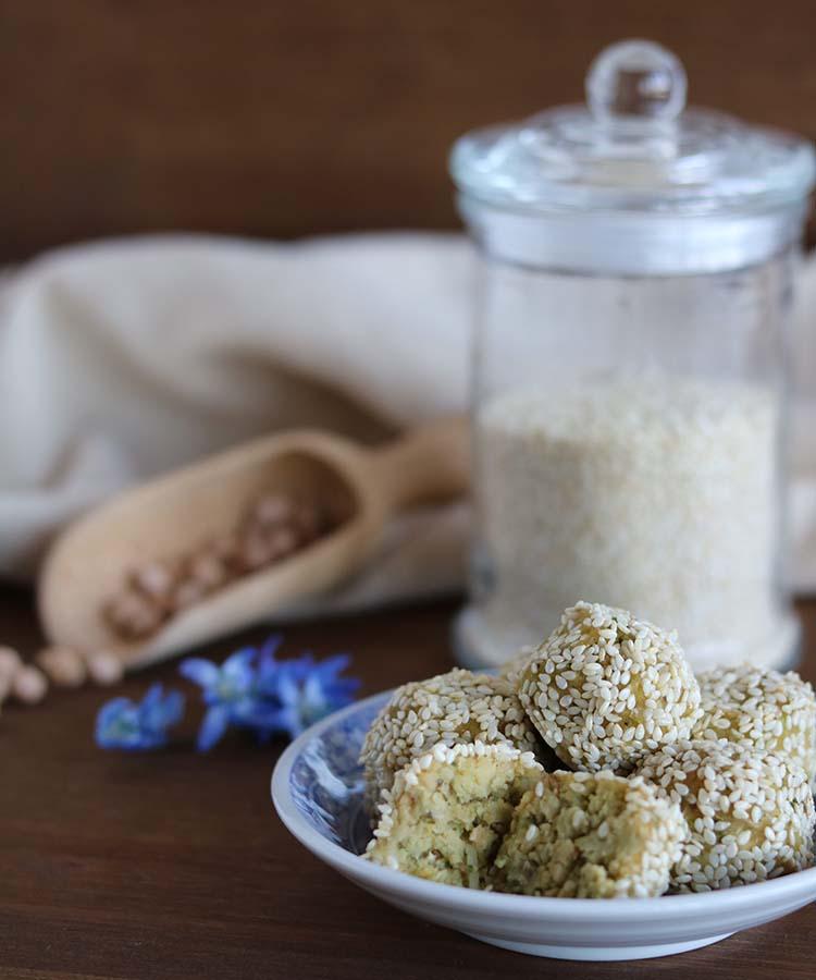 Polpette di ceci speziate, ricetta per la merenda salata per gli studenti della Scuola Secondaria di I Grado a cura di Gabriella Rizzo | Homework & Muffin