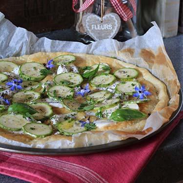 Torta salata con zucchine e mozzarella, ricetta per la merenda salata per gli studenti della Scuola Sec. di I grado a cura di Gabriella Rizzo | Homework & Muffin