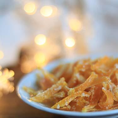Scorzette all'arancia candite. merenda dolce per bambini e ragazzi a cura di Gabriella Rizzo | Homework & Muffin