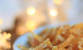 Scorzette all'arancia candite. merenda dolce per i bambini o regalo dolce per Natale a cura di Gabriella Rizzo | Homework & Muffin