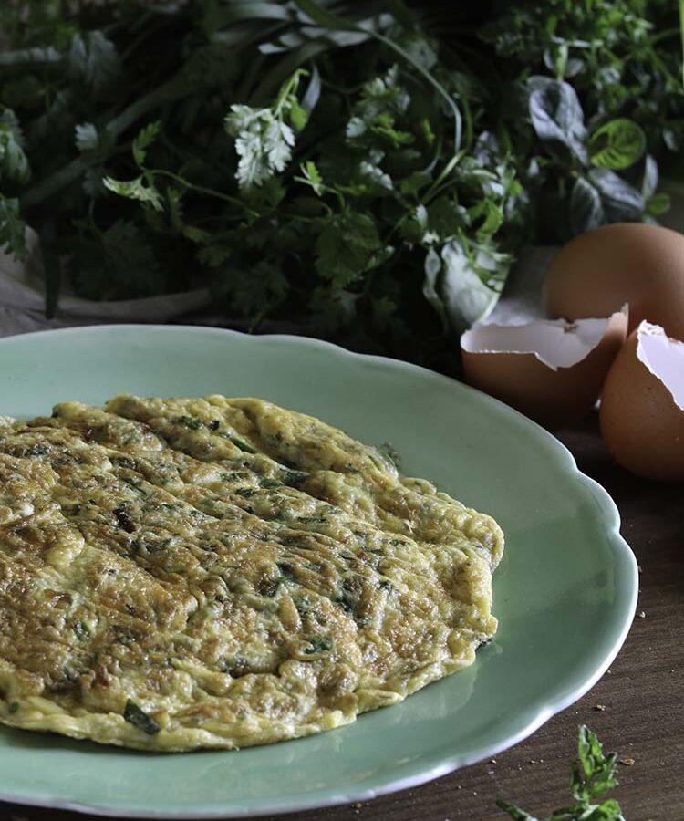 Il cantè j'euv e la Frittata alle erbe aromatiche, una tradizione contadina piemontese del periodo pasquale a cura di Gabriella Rizzo | Homework & Muffin