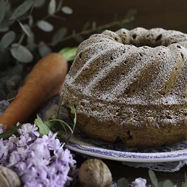 I dolci da credenza - Ciambelle di carote e noci. Ricetta per la merenda dolce a cura di Gabriella Rizzo | Homework & Muffin