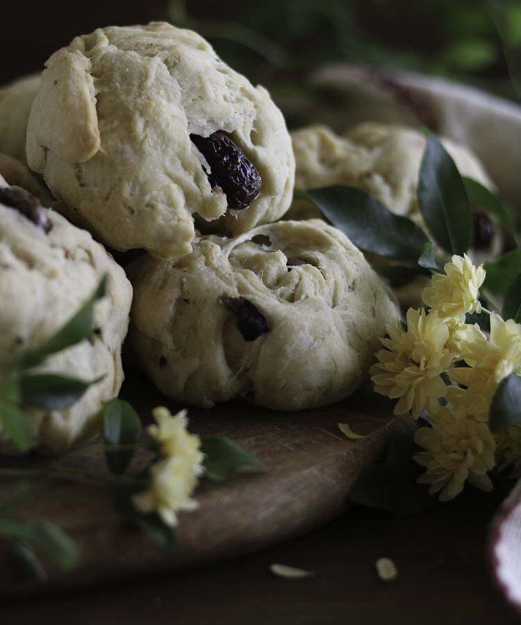 Panini al formaggio, olive e semi di coriandolo, merenda salata per il Viaggio dei Sapori promosso da AIFB, a cura di Gabriella Rizzo | Homework & Muffin