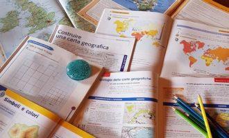 Le carte geografiche e loro classificazione, approfondimento di geografia per la classe prima della Scuola Secondaria di I grado a cura di Gabriella Rizzo.